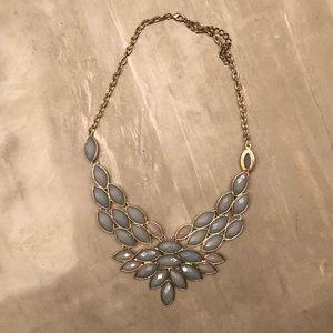 Bundle: 4 statement necklaces!